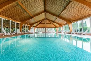 The swimming pool at or close to Ben Nevis Hotel & Leisure Club