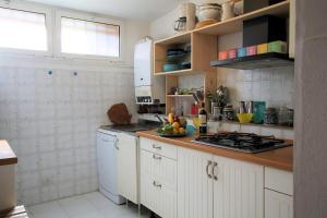 A kitchen or kitchenette at Il Paradiso in Pineta by Holiday World