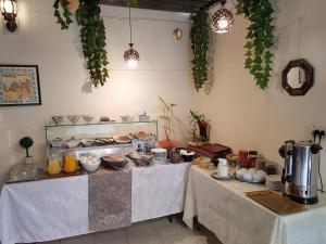 Una cocina o zona de cocina en Rosana guest house
