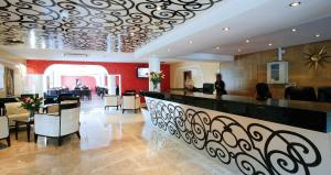 The lobby or reception area at Ramada Birmingham Oldbury M5 J2