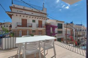 A balcony or terrace at Sant Roc Apartments a Minute From The Beach