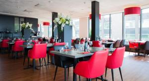 A restaurant or other place to eat at Best Western Plus Amsterdam Airport Hotel