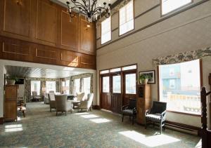 The lobby or reception area at Westmark Inn Dawson City