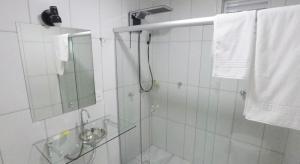 A bathroom at Hayer Hotel