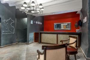 El vestíbulo o zona de recepción de Ramada by Wyndham Costa Del Sol Cusco