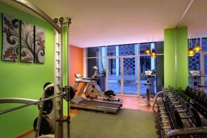 The fitness centre and/or fitness facilities at Ibis Styles Bali Denpasar