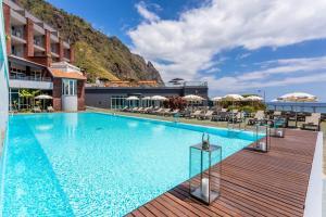 Piscine de l'établissement Paul Do Mar Sea View Hotel ou située à proximité