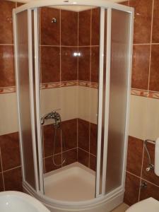 Apartments Škaljari tesisinde bir banyo