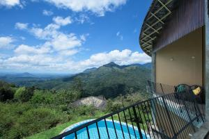 A view of the pool at Villa Verde Ella or nearby