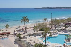 Uitzicht op het zwembad bij Hotel Sabina of in de buurt