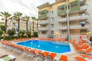 The swimming pool at or near Sifalar Apart Hotel