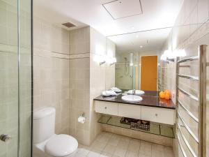 A bathroom at Laguna on Hastings