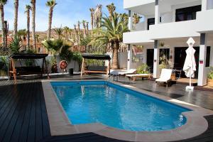 Der Swimmingpool an oder in der Nähe von Ocean World Hotels S.L.