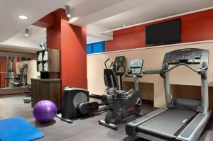 The fitness center and/or fitness facilities at Hampton by Hilton Cluj-Napoca