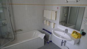 Ванная комната в Hotel Crystal