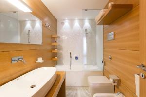 Hotel Novecentoにあるバスルーム