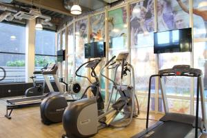 The fitness center and/or fitness facilities at Bastion Hotel Amsterdam Airport