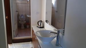 A bathroom at 168 Living Water