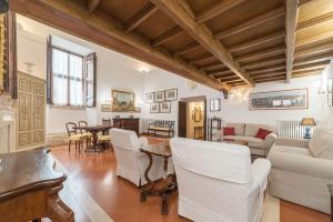 Salone o bar di Campitelli Fascinating Apartment