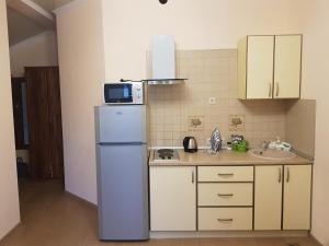 """Кухня или мини-кухня в Гостевой дом """"Варвара"""""""