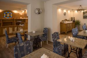 A restaurant or other place to eat at Villa Casteria