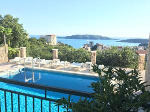 A view of the pool at Luka Villa or nearby