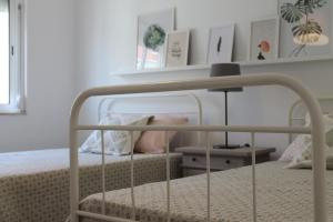 A bunk bed or bunk beds in a room at Charming baixa