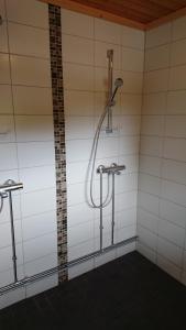 Kylpyhuone majoituspaikassa Cafe Alppila
