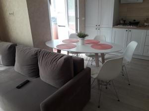 Гостиная зона в Apartment on Valientina Mosina 10