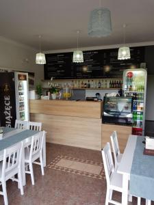 Restauracja lub miejsce do jedzenia w obiekcie Elexia