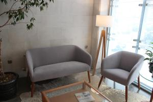 A seating area at Hotel Carreño