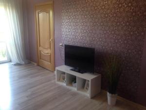 Телевизор и/или развлекательный центр в Leninskii, 29