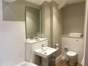A bathroom at The George Inn - Lacock