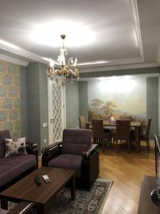 Uma área de estar em Uzeyir Hajibeyov 35 Avenue