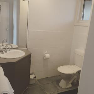 A bathroom at A Great Ocean View Motel