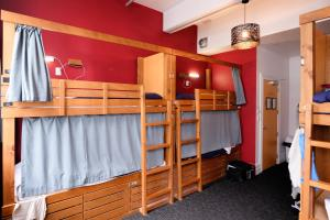 A bunk bed or bunk beds in a room at Haka Lodge Auckland