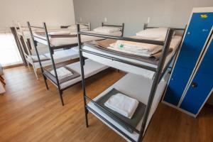 A bunk bed or bunk beds in a room at Travel Hotel Amsterdam