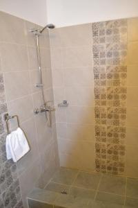 A bathroom at Vilele DVG Costinesti