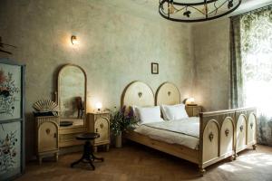 Postel nebo postele na pokoji v ubytování The Emerald