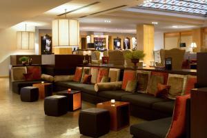 De lounge of bar bij Starhotels Metropole