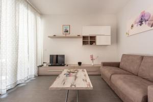 A seating area at Casa Fugali