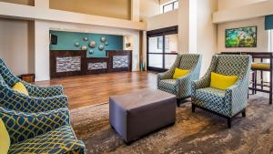 The lobby or reception area at Best Western Plus Yadkin Valley Inn & Suites