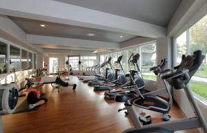 Das Fitnesscenter und/oder die Fitnesseinrichtungen in der Unterkunft TUI BLUE Khao Lak Resort