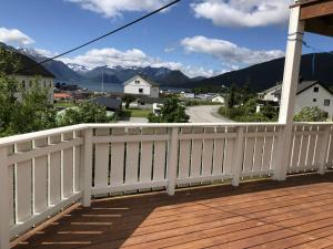 A balcony or terrace at Åndalsnes gustehouse