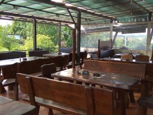Restaurace v ubytování Penzion a Motobar Bravantice
