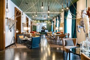 Ein Restaurant oder anderes Speiselokal in der Unterkunft Vincci Soho