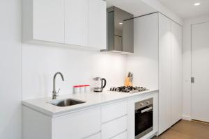 A kitchen or kitchenette at Studio# on EQ Tower