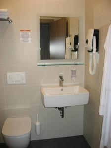 A bathroom at Apartmaji in sobe RaMar