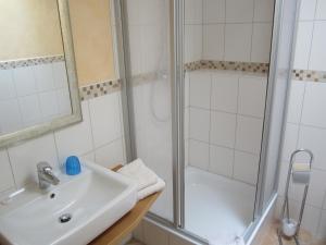 Ein Badezimmer in der Unterkunft Die Krone