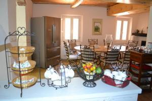 Restaurant ou autre lieu de restauration dans l'établissement Tivoli en Provence